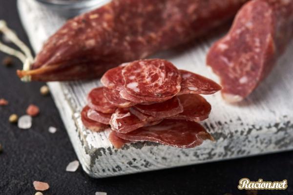 Как правильно выбирать колбасу и сосиски